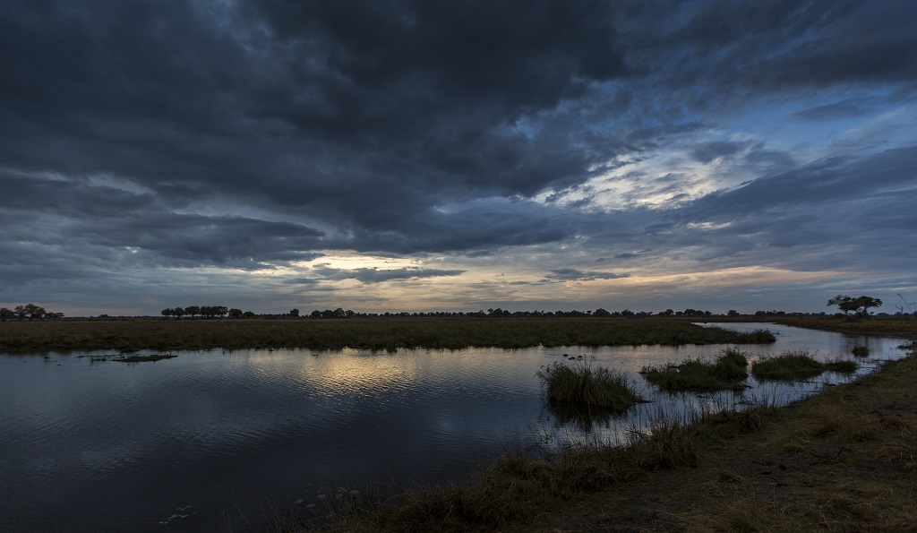 Sunset-on-the-okavango-delta-botswana.jpg